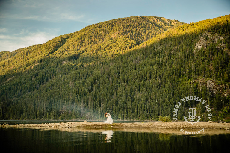 Adventure Elopement at Snoqualmie Pass in the Cascade